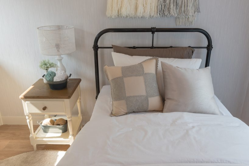 Dressing up your single bed