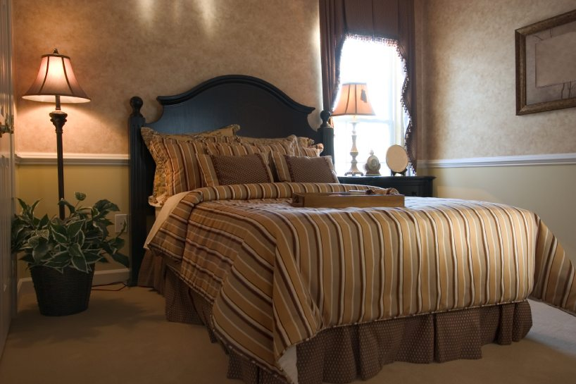 Design bedding with Bed Skirt